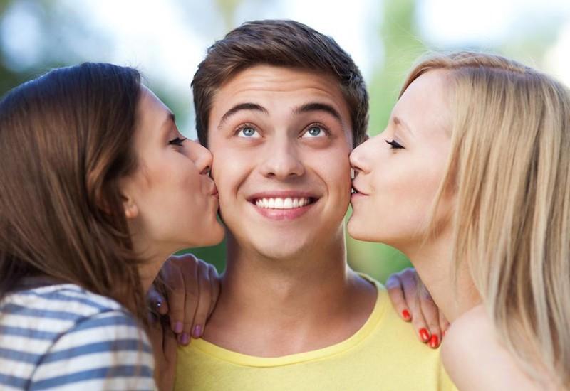 Встал член при поцелуях