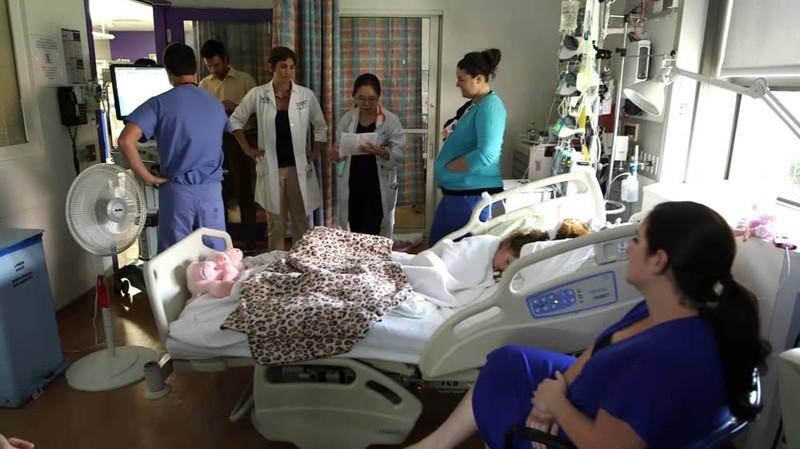 Девушка впервые пришла к гинекологу на проверку подсмотреть, кончил в нее и залетела видео