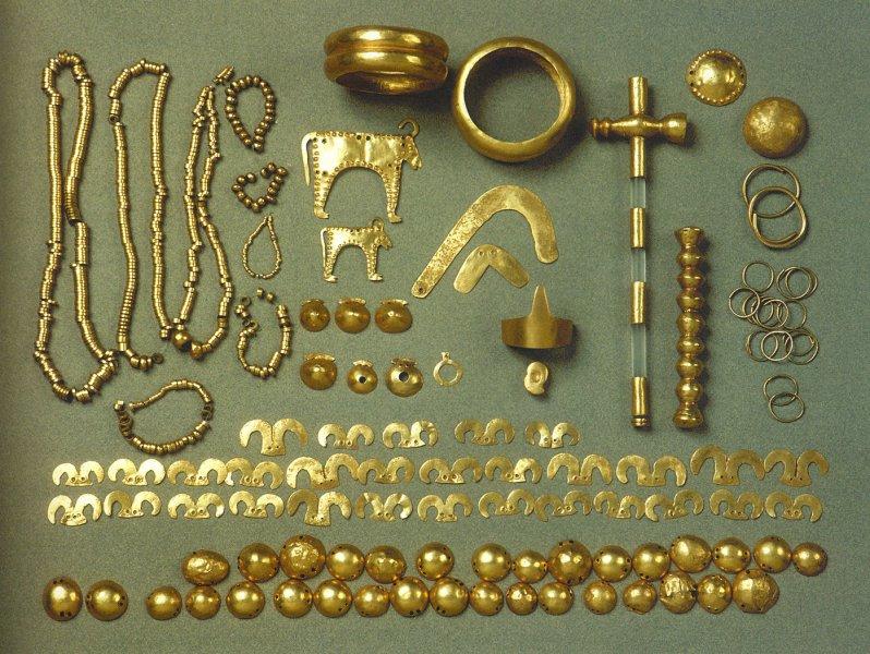 Из других погребений. археология, гробница, захоронение, золото, интересно, мумия, раскопки, скелет