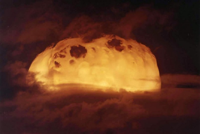 Первое в мире испытание ядерного оружия Тринити, атомная бомба, бомба, бомбежка, взрыв, испытание, учения, ядерное оружие