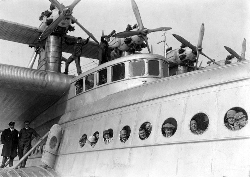 Do-X перед рекордным полетом, в котором он поднял в воздух 169 человек. Do-X, Dornier, Дорнье, авиация, воздушная техника, пассажирский самолет, самолет, транспорт