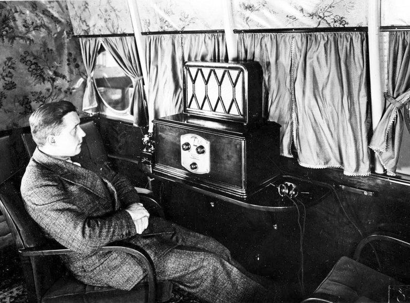 В нем можно было с комфортом послушать радио... Do-X, Dornier, Дорнье, авиация, воздушная техника, пассажирский самолет, самолет, транспорт