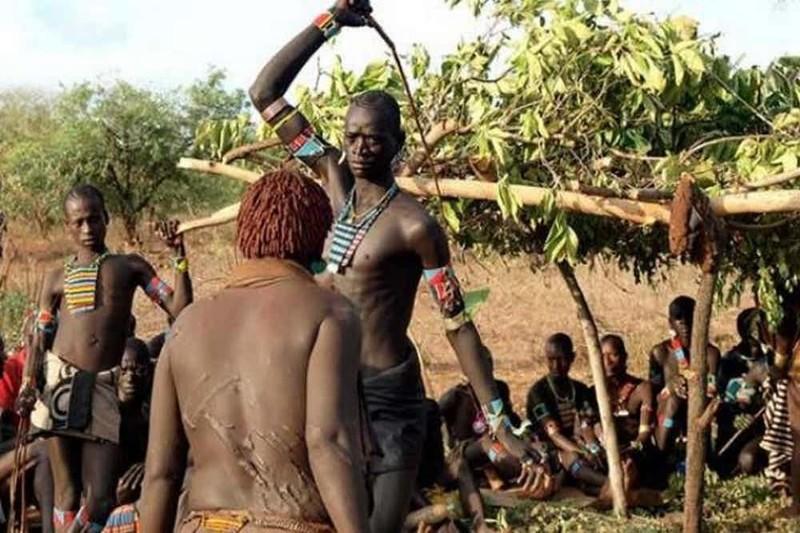 Первая брачная ночь в диких племенах онлайн