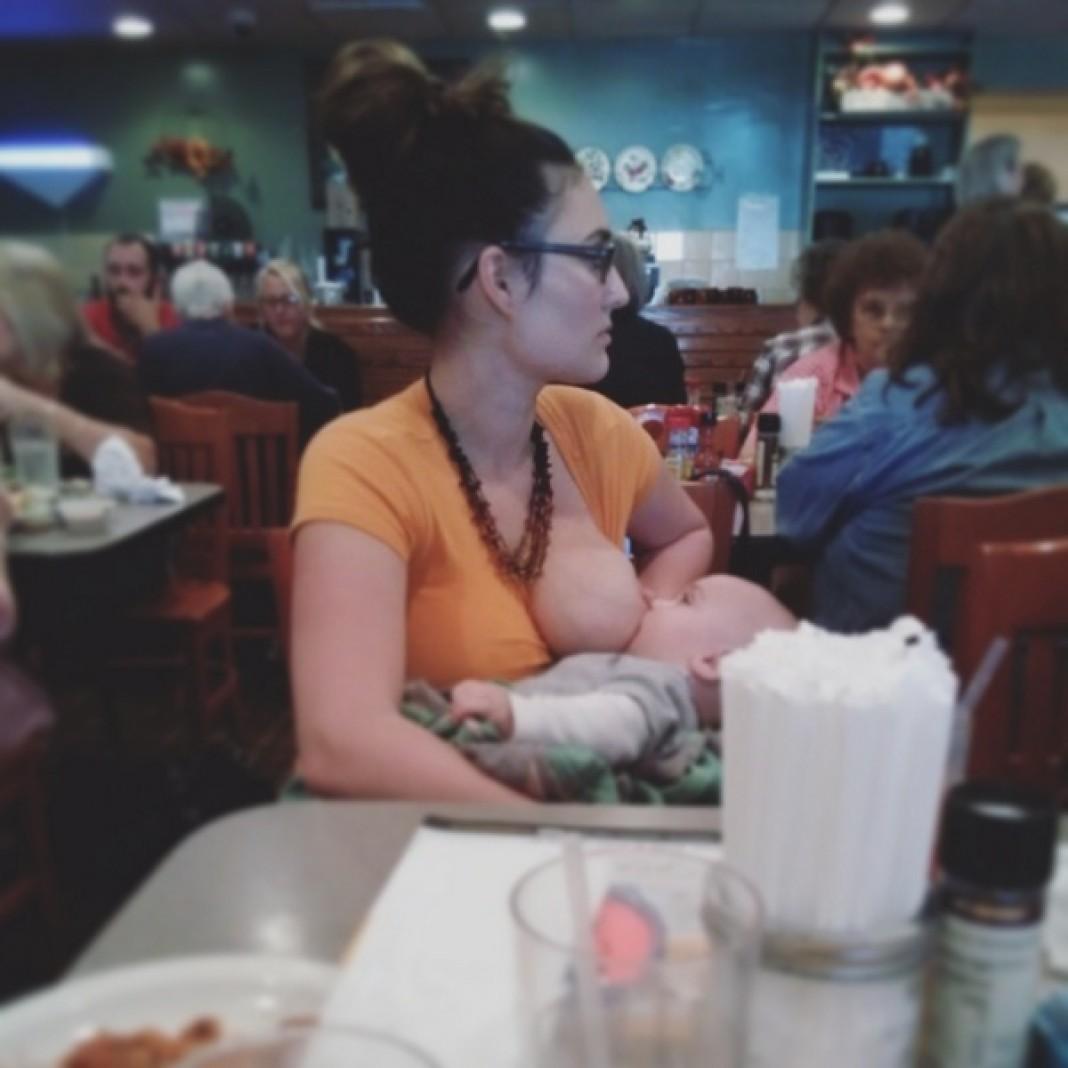 После такой сцены захочется ужинать кормление в общественном месте, он же ребенок, фото, яжемать