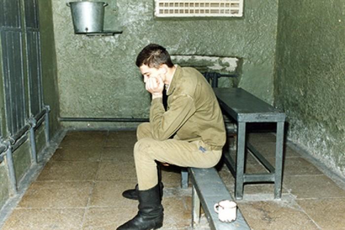Гауптвахта в армии: за что в СССР могли посадить солдат на «губу»