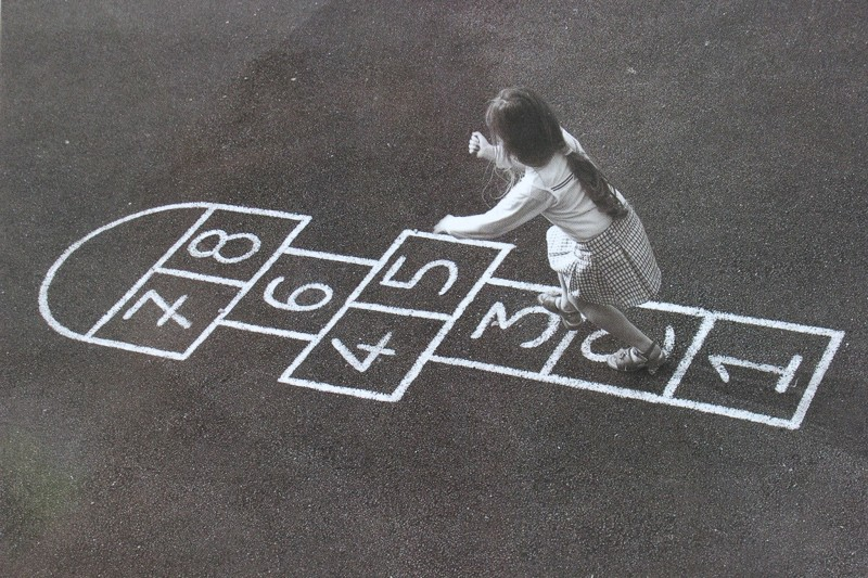 Классики дворы, дети, игры, игры на улице, интересное, молодежь