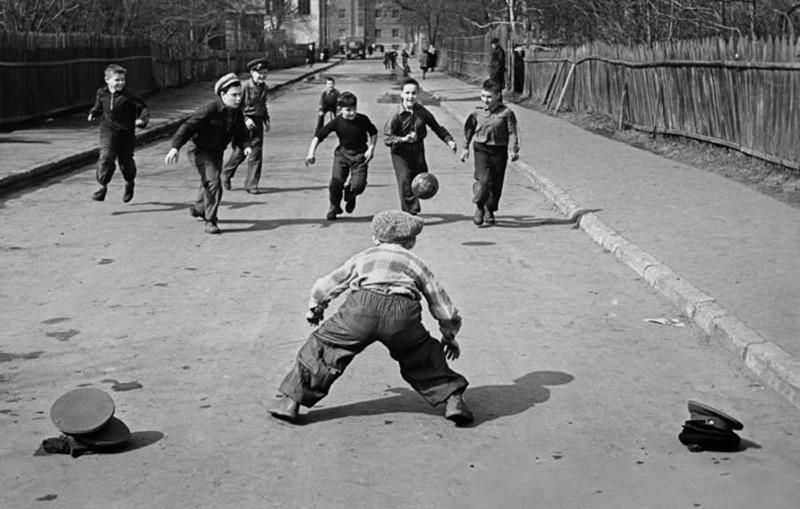 Вышибалы дворы, дети, игры, игры на улице, интересное, молодежь