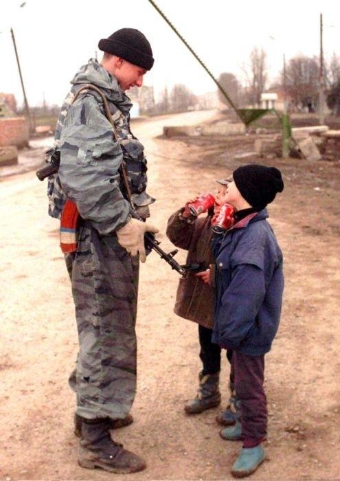 Дядь, дай стрельнуть! вспомнить молодость, дорогие россияне, история, как это было, лихие 90-е, россия, фото, это наша с тобой биография