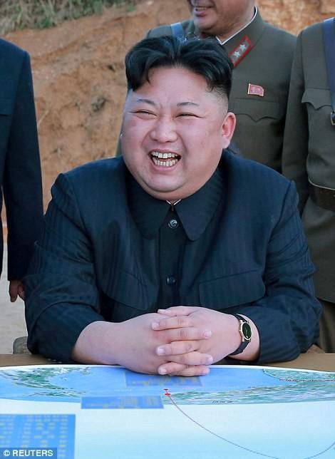 Лидер Северной Кореи Ким Чен Ын заявил, что готовит атаку по военным базам США на острове Гуам кндр, мир, пво, политика, сша, угроза, япония