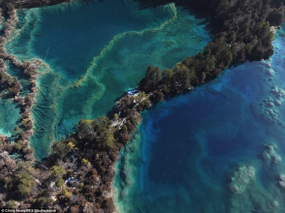 Знаменитое Сверкающее озеро Сычуань, до и после, землетрясение, китай, национальный парк, оползни, стихийное бедствие, стихия