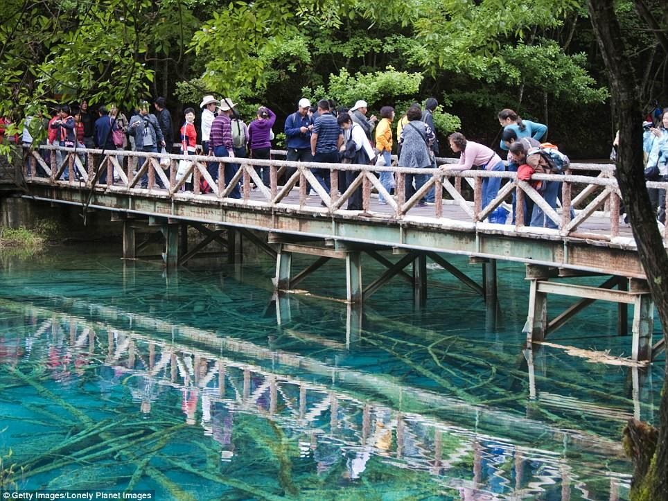 Озеро Пяти цветов, или Озеро Павлина Сычуань, до и после, землетрясение, китай, национальный парк, оползни, стихийное бедствие, стихия