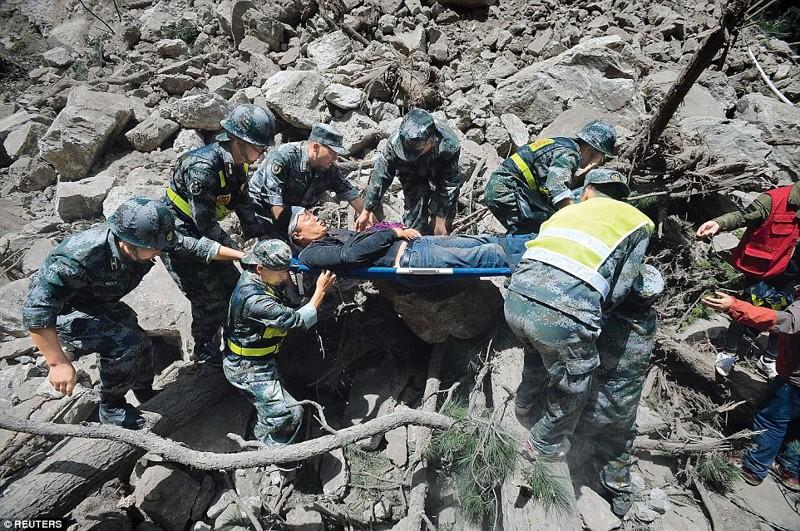 И несколько кадров работы спасателей Сычуань, до и после, землетрясение, китай, национальный парк, оползни, стихийное бедствие, стихия
