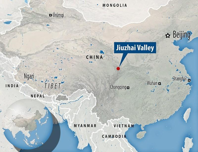 Землетрясение произошло в районе долины Чзючжай Сычуань, до и после, землетрясение, китай, национальный парк, оползни, стихийное бедствие, стихия