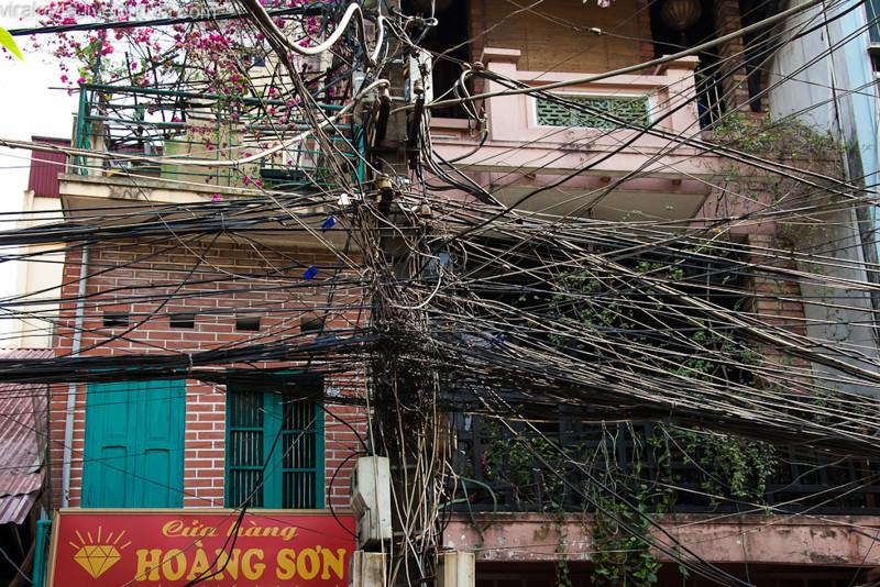 Во Вьетнаме безобразие, перепутано, провода, страны, ужас перфекциониста