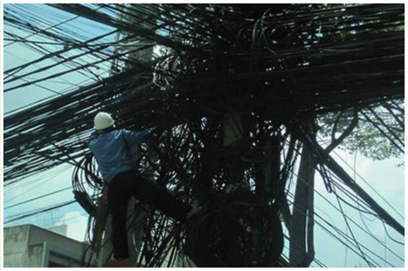 В Лаосе безобразие, перепутано, провода, страны, ужас перфекциониста