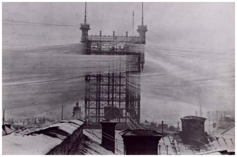 Башня была построена в шведской столице Стокгольма, для подключения более 5000 телефонных проводов .1887 год безобразие, перепутано, провода, страны, ужас перфекциониста