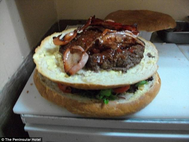 А вы справитесь с самым большим бургером Австралии? австралия, бар, блюдо дня, бургер, гамбургер-гигант, еда, ресторан, съешь сколько сможешь