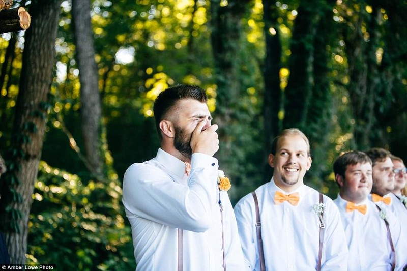 На собственной свадьбе жених разрыдался, как ребенок Любовь, жених, невеста, свадьба, слезы, сша, теннеси, трогательно