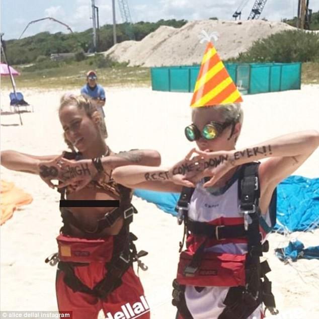 Это был самый ослепительный день рождения в истории! Кара Делевинь, девичник, день рождения, звезды, знаменитости, красиво жить не запретишь, модели, светская жизнь