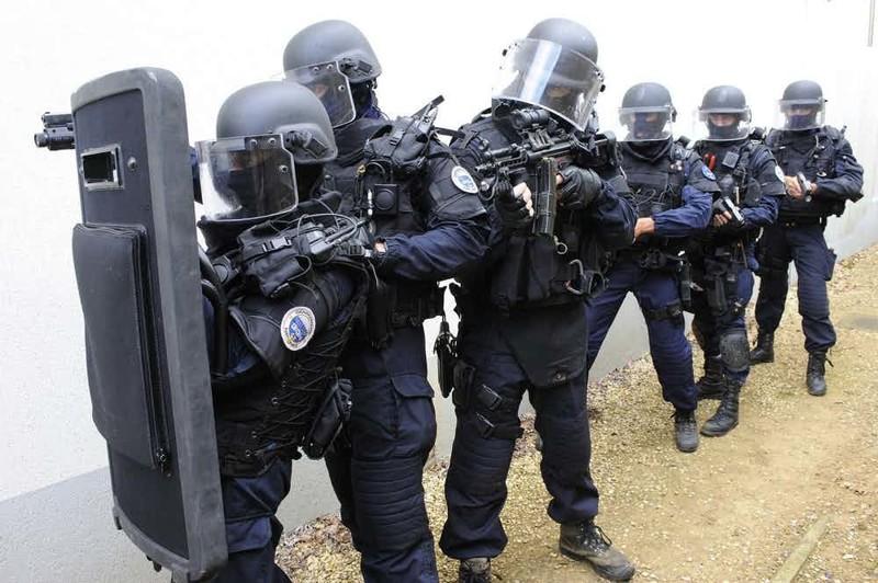 "11. Спецназ французской жандармерии (GIGN, Groupe d'Intervention de la Gendarmerie Nationale) Группа ""А"", антитеррористический десант, спецназ, спецназовцы, спецподразделение, спецподразделения"