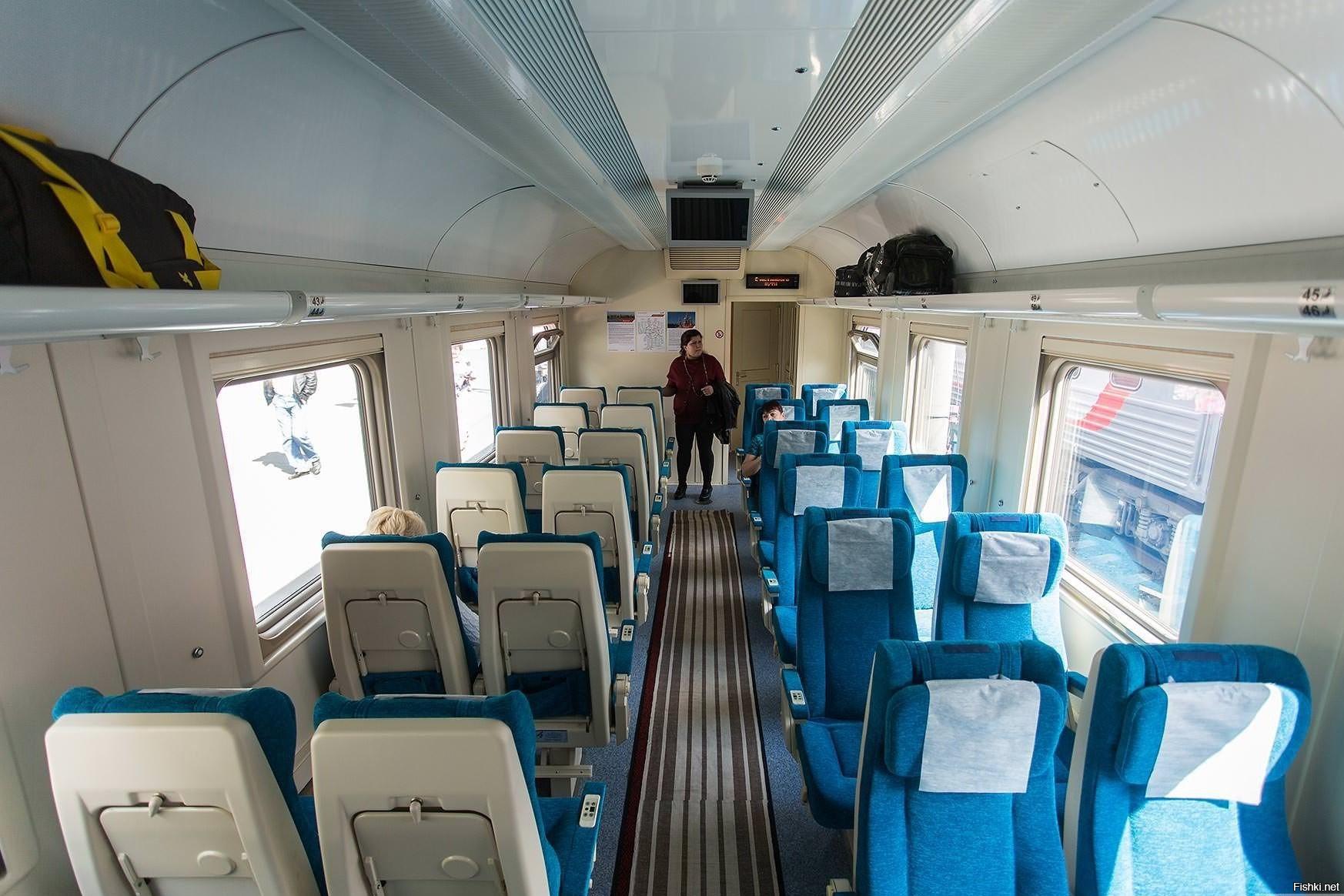 Фото двухэтажного сидячего вагона