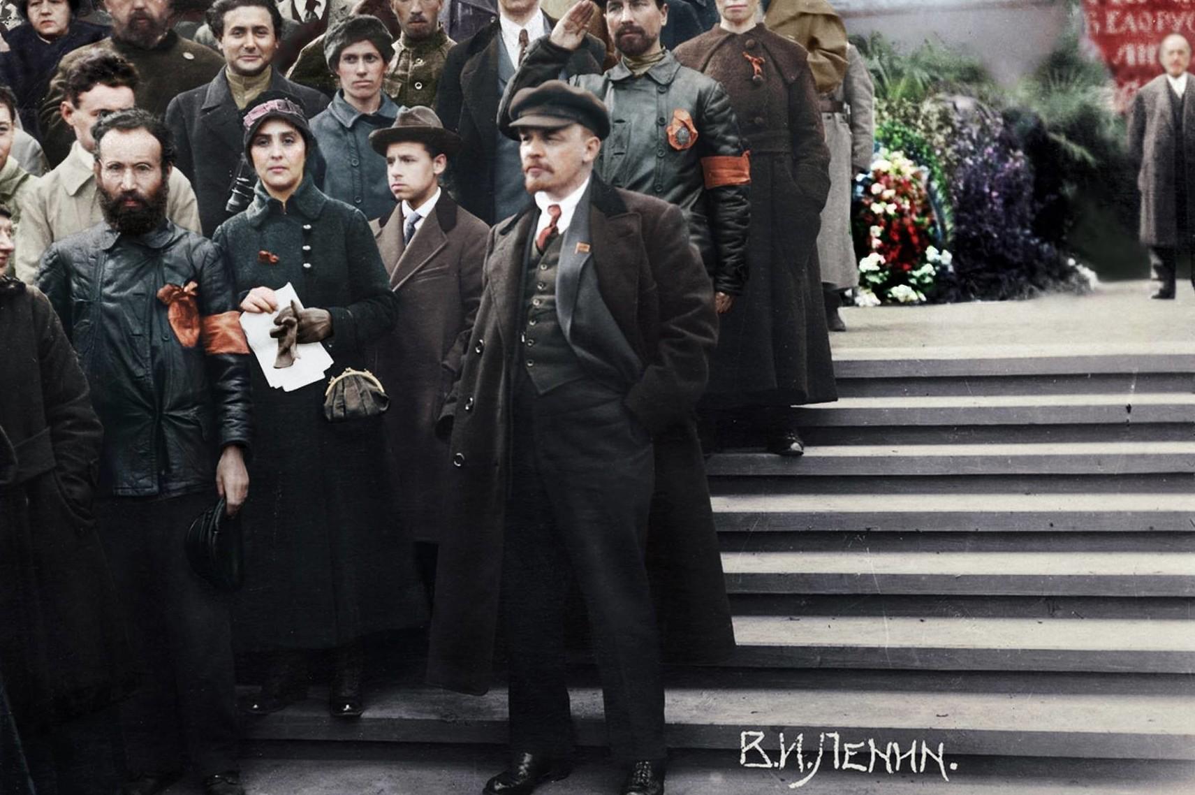 В.И.Ленин на параде войск Всевобуча. Москва, 25 мая 1919 года Фото: М. Наппельбаум. история., колоризированные снимки, люди, россия, фото