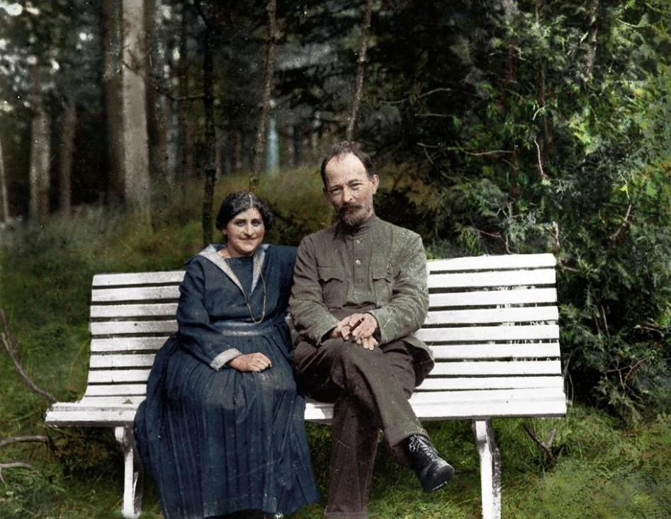 Феликс Дзержинский с женой Софьей Мушкат, 1923. история., колоризированные снимки, люди, россия, фото