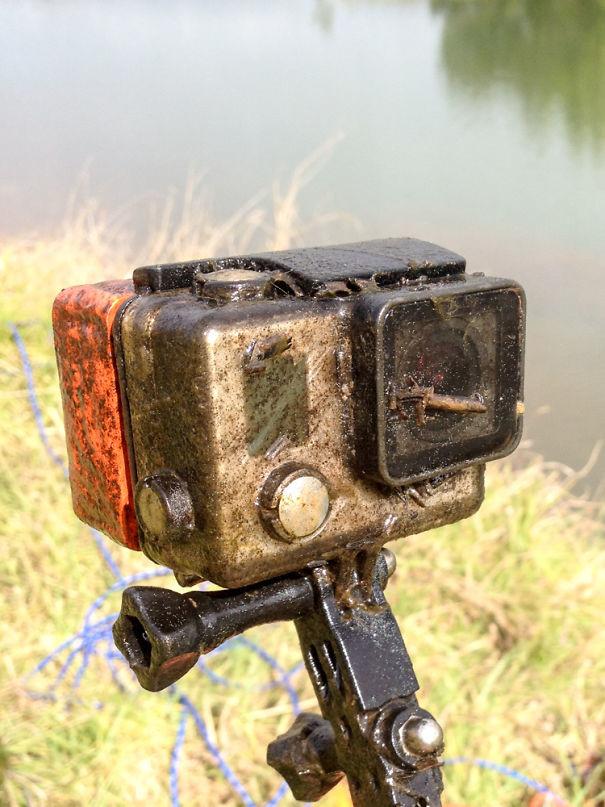 А это GoPro, потерянная в водоеме 2 месяца назад возвращение, находки, неожиданно, потеря, потерянные вещи, потеряшки, сюрприз, фото