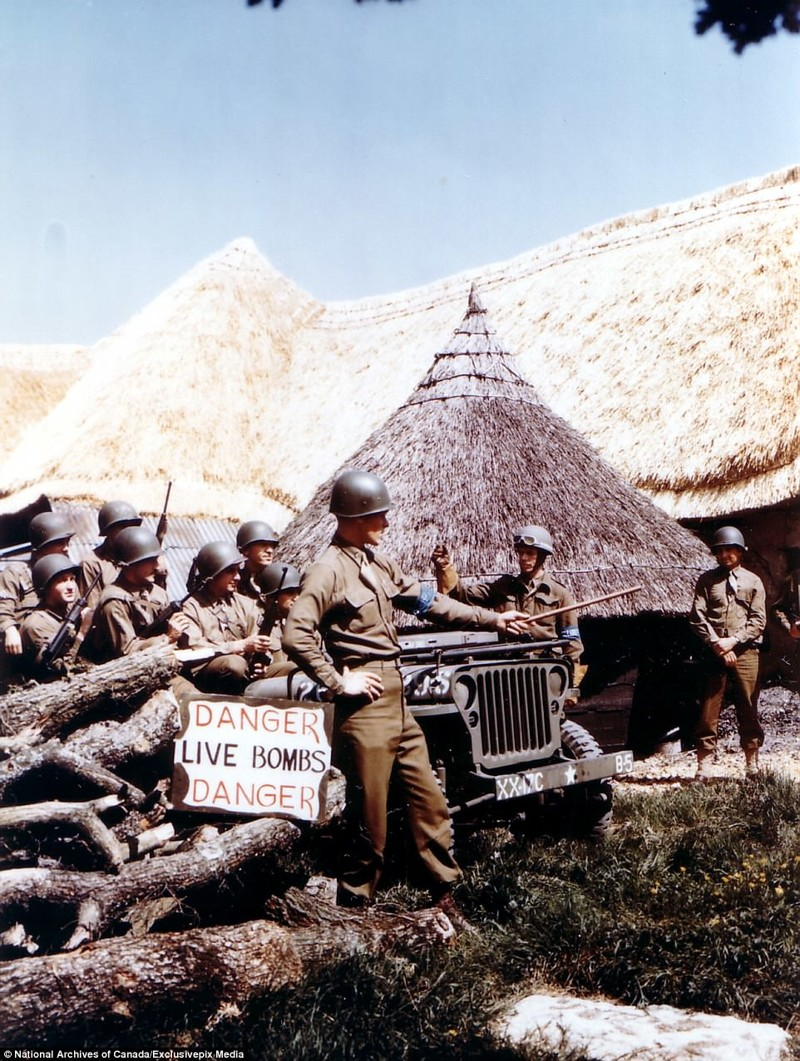 Солдаты 17-го механизированного кавалерийского эскадрона США. Где-то на территории Великобритании незадолго до Дня Д архивные фотографии, военные фото, вторая мировая война, вторая мировая. фото, нормандия, франция