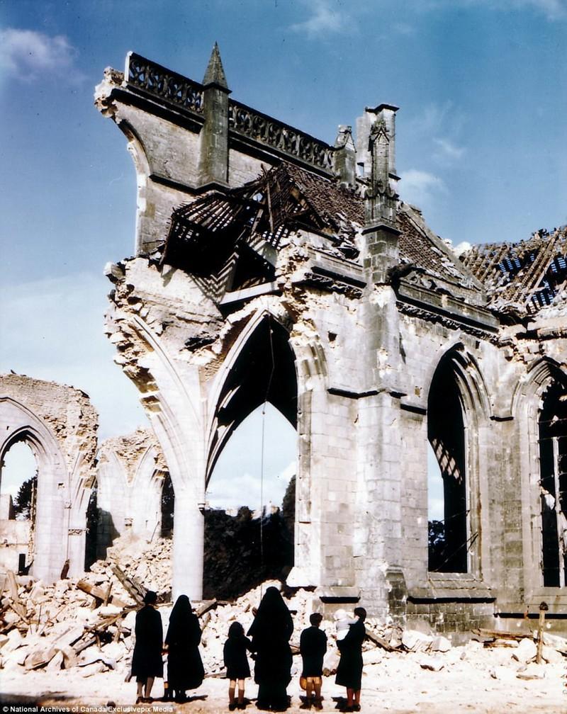 Церковь в городе Сен-Мало после американских бомбардировок архивные фотографии, военные фото, вторая мировая война, вторая мировая. фото, нормандия, франция