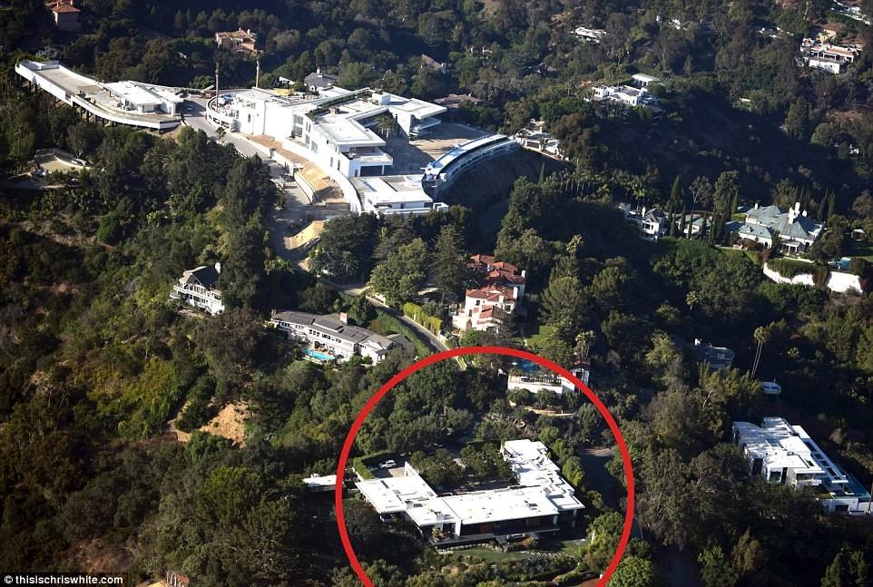 """У Дженнифер Энистон появился """"замечательный"""" сосед Дорогая недвижимость, голливуд, калифорния, лос-анджелес, недвижимость, особняк, особняки"""