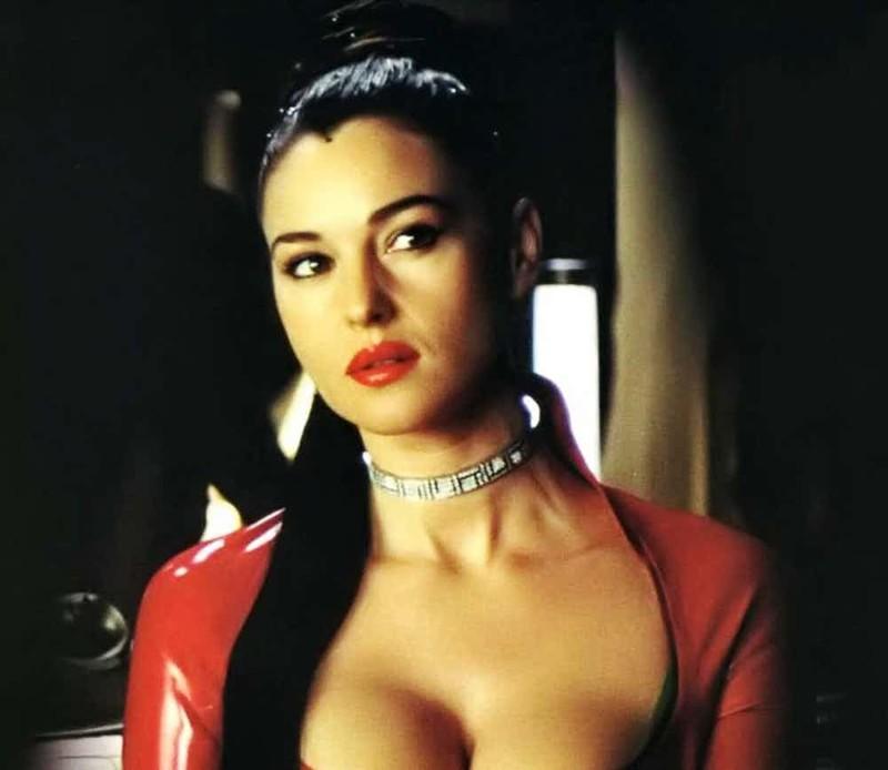 """Одна из самых известных ролей Моники - Персефоны во второй и третьей """"Матрице"""" актриса, знаменитости, кинодива, красота, моника беллуччи, самая сексуальная женщина, секс-символы, фото"""