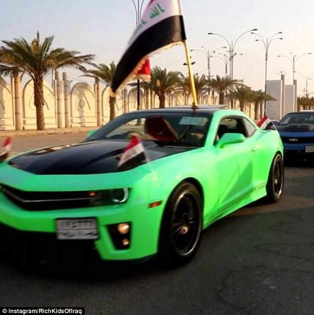 Транспорт богатых детей Ирака: один из вариантов богатые дети, богачи, деньги, золотые дети, ирак, красивая жизнь, мажоры, фото
