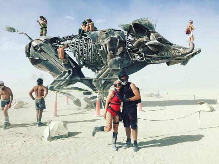 Скульптура на фестивале Burning Man день, животные, кадр, люди, мир, снимок, фото, фотоподборка