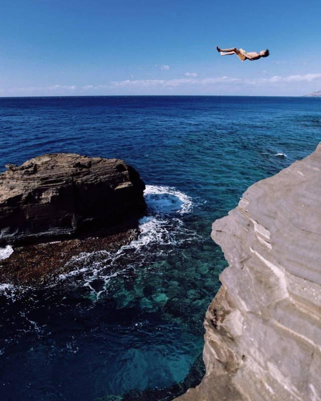 Прыжок со скалы день, животные, кадр, люди, мир, снимок, фото, фотоподборка