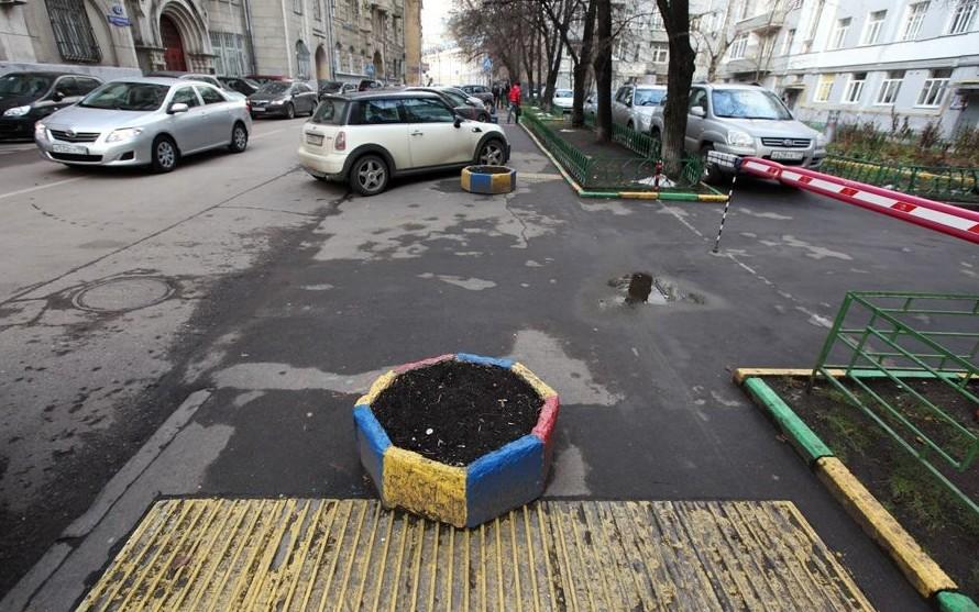 В Москве без мозгов, плакать хочется, приколы, проблемы со зрение, слепота, тактильная плитка, шрифт брайля
