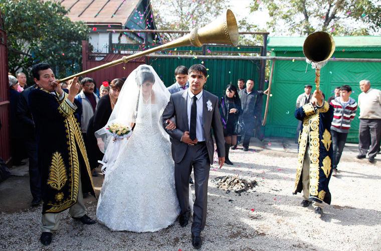 Они платят калым за невесту в мире, законы, интересно, люди, познавательно, правила, русский, узбек