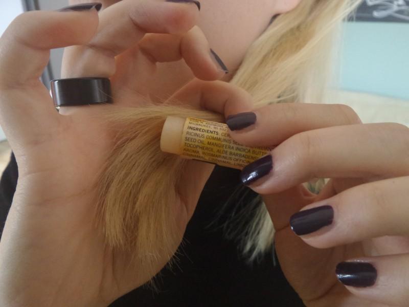 Когда волосы секутся Бытовые удобства, бальзам для губ, гигиеническая губная помада, необычно, необычные идеи, нестандартное использование, новое дело для привычных вещей, полезно