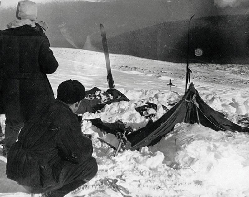 Старая фотография позволила раскрыть тайну гибели группы Дятлова гибель, группа, загадка, перевал Дятлова, тайна, туристы, фото