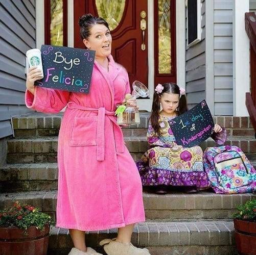 Похоже, мама уже пропустила рюмочку... дети, за парту, осень, портфель, родители, снова в школу, учебный год, школа