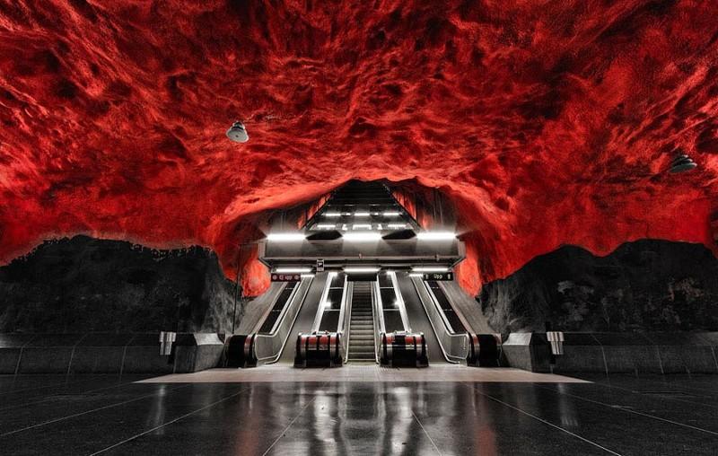 14. Эскалатор в ад в стокгольмской подземке без фотошопа, вот это да!, интересные фотографии, необычные, реальность, фотошоп