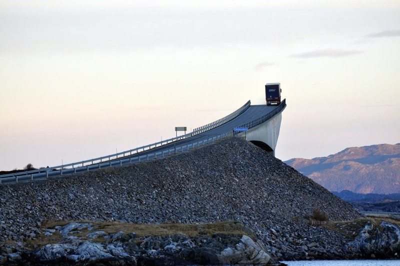 3. Мост, ведущий в никуда без фотошопа, вот это да!, интересные фотографии, необычные, реальность, фотошоп