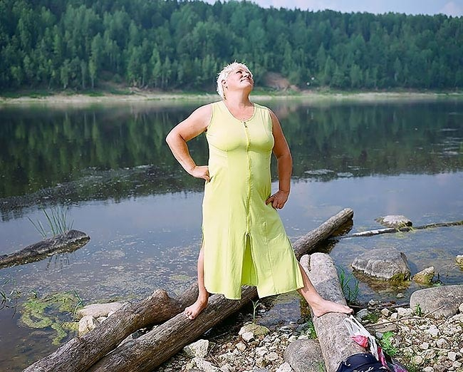 mey-video-foto-uralskih-derevenskih-devushek-na-doroge-zarabotkah-video-seksa