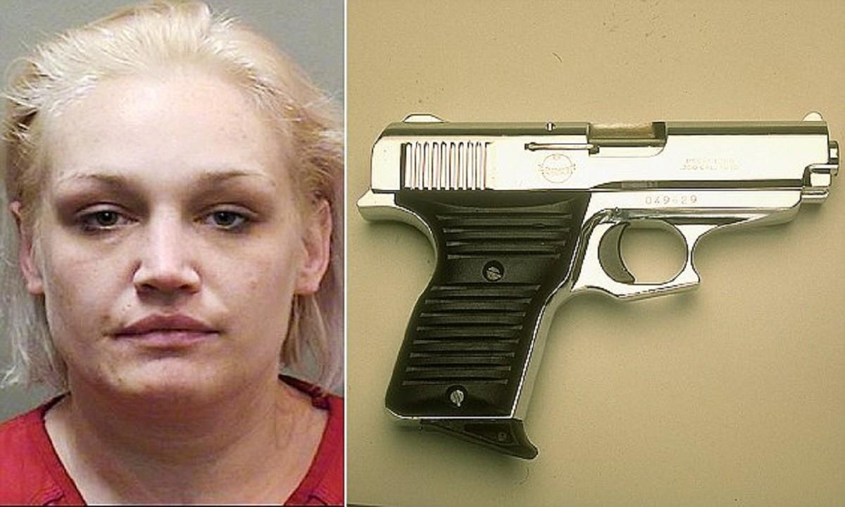 Женщина спрятала пистолет так, что даже полицейские впали в ступор! арест, интересное место, миссури, наркотики, невероятно, оружие, сша, тайник