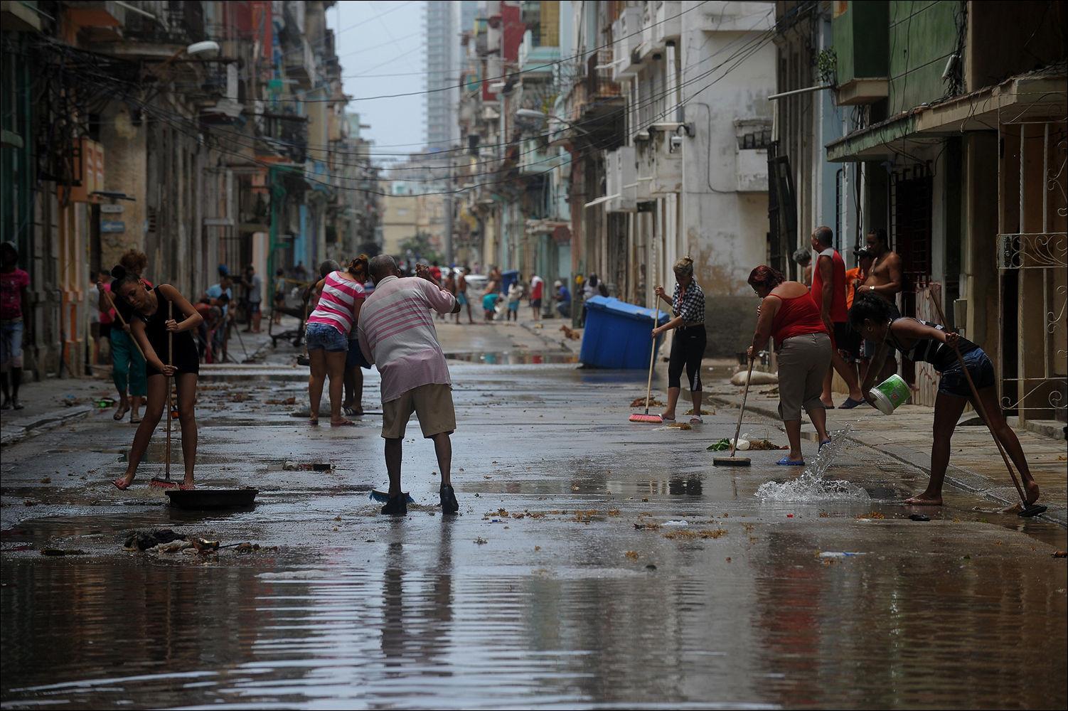 гостиницы, частные фото варадеро после урагана ирма фасада розовом цвете