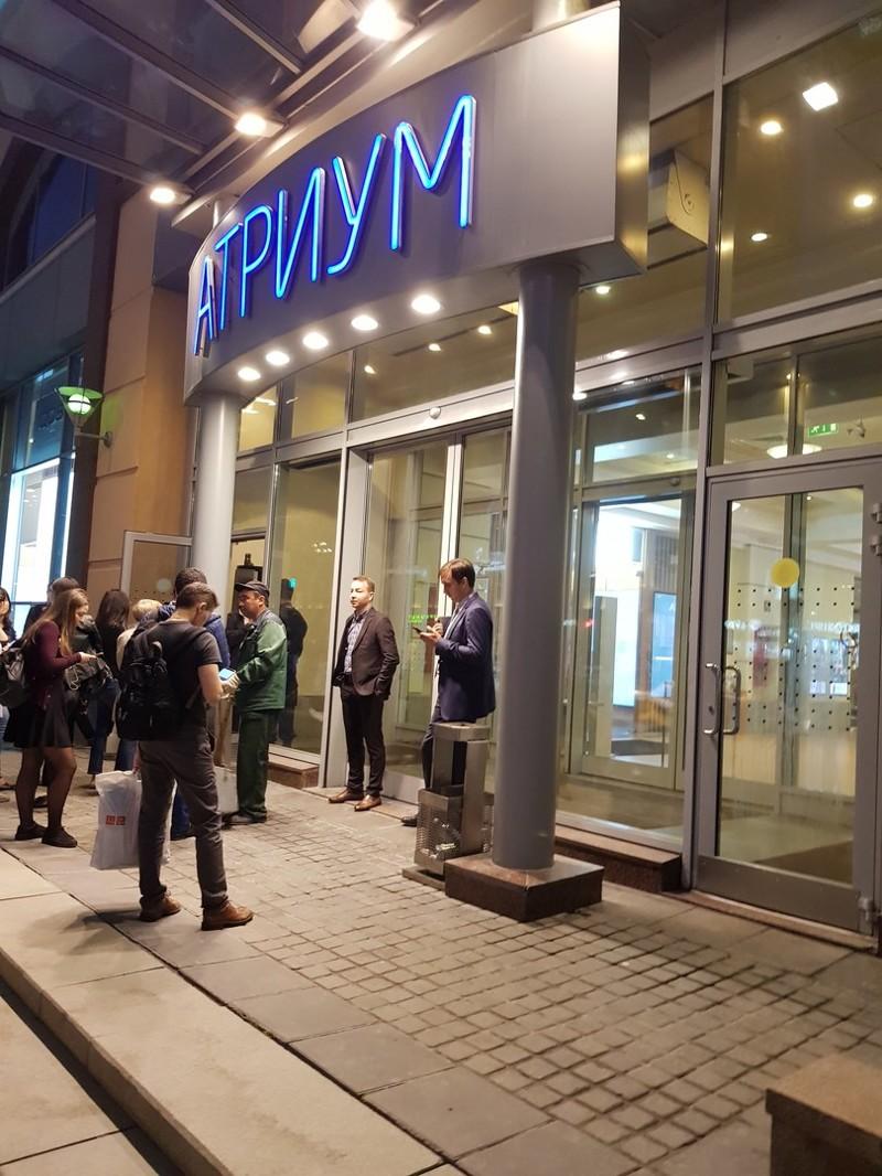 Покупатели продолжают терять время, а продавцы прибыль бомба, москва, россия, санкт-петербург, соцсети, терракат, торговый центр, эвакуация
