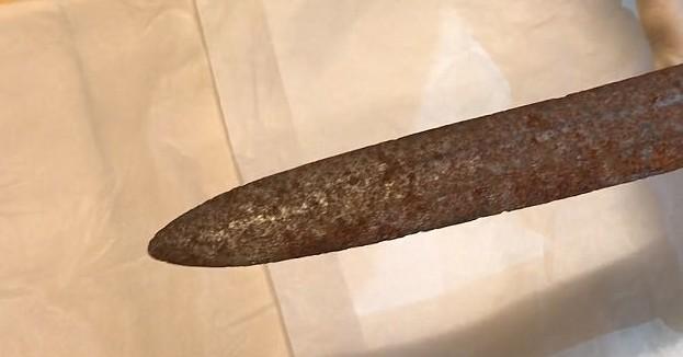 Норвежский охотник нашел старинный меч викингов Неожиданная находка, артефакт, археология, викинги, история, меч, норвегия, старинное оружие