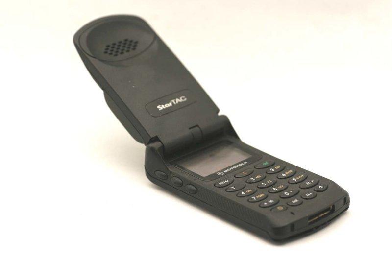 Motorola StarTAC 70   ностальгия, сотовые, телефоны, техника