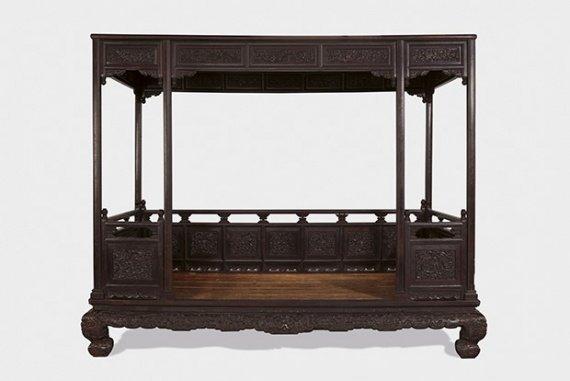Кровать времен императора Цяньлуна из династии Цин: $2,97 млн антиквариат, дорогая мебель, цены