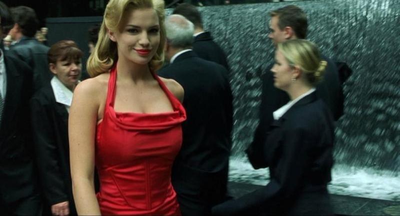 """a6297997fbe Тайна """"женщины в красном"""" из """"Матрицы""""."""